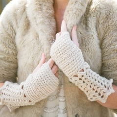 Winter Lace Mitts