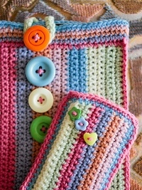 Free Pattern: Colourful Case