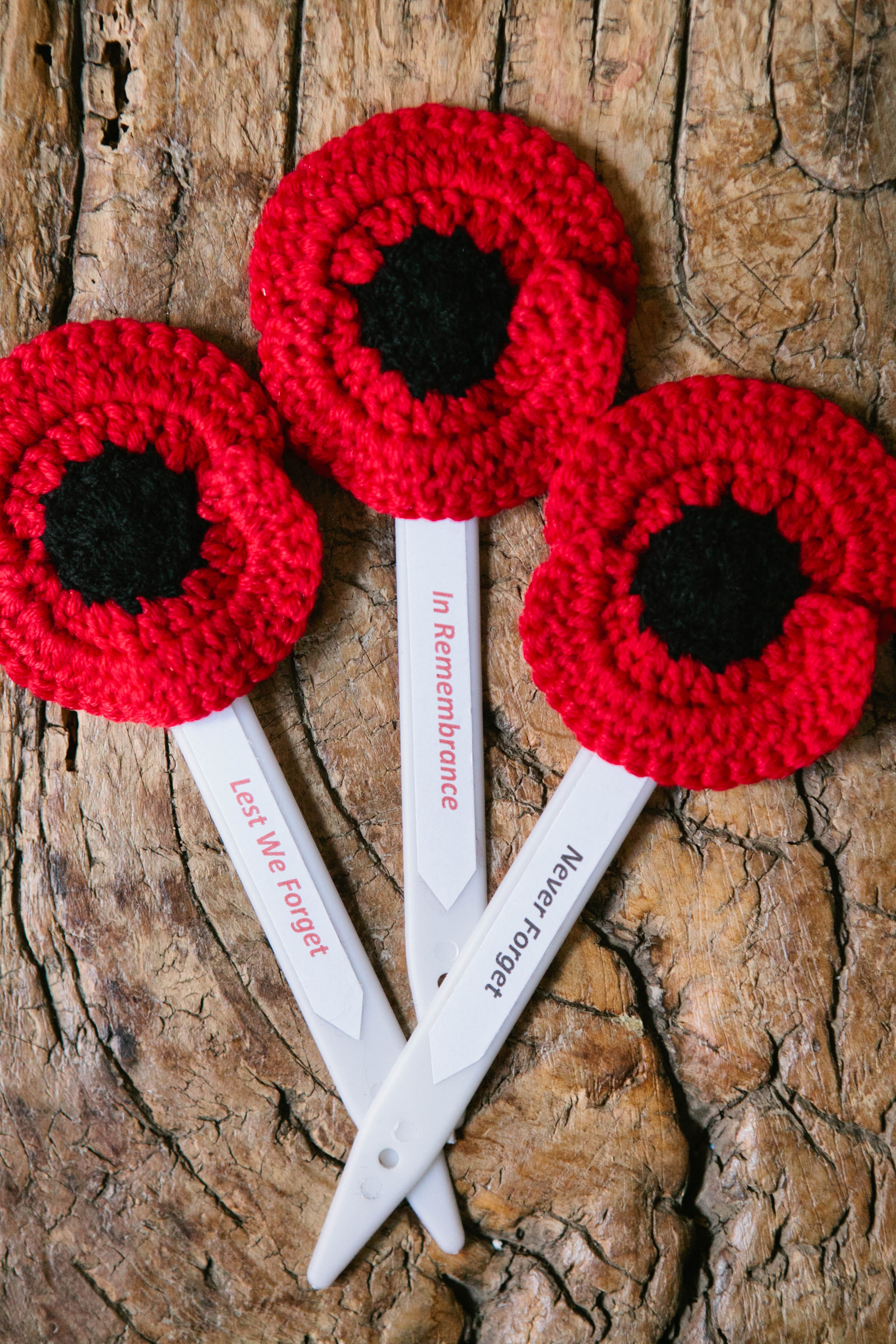 Knitted Poppy Pattern For British Legion : Free Pattern Inside Crochet Magazine   Blog Inside Crochet