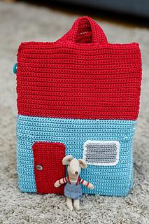 Take-Along Dollhouse | Inside Crochet Magazine - Blog | Inside Crochet